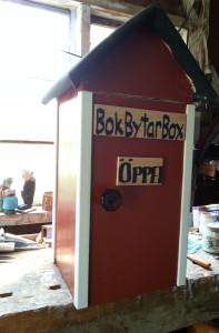 Bokbytarbox rödmålad